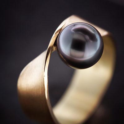 Ring 585 Gelbgold Tahitiperle grau