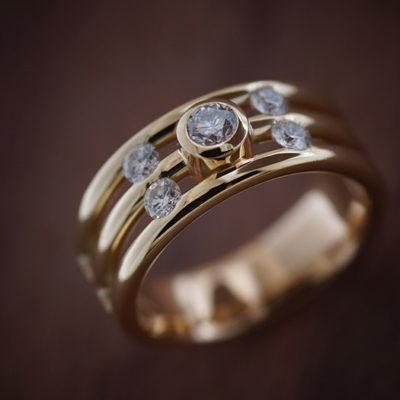 Ring 750 Gelbgold mit Brillant