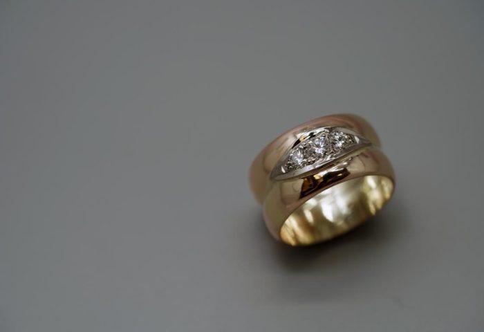Umarbeitung7 Witwenring breit mit Diamanten