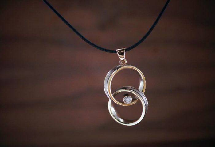 Umarbeitung9 Witwenanhaenger Ring Ehemann tragen